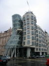 Dancing_building_by_frank_gary
